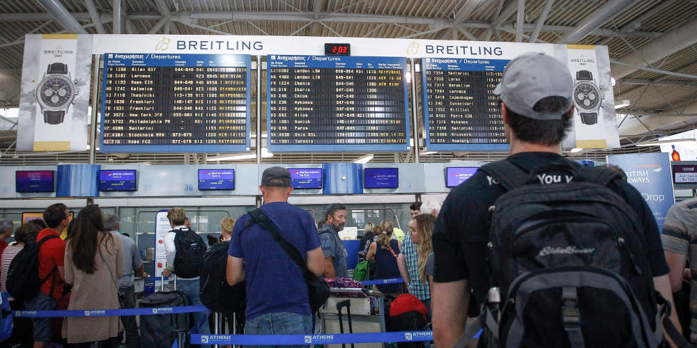 Ουρές… της ταλαιπωρίας στα αεροδρόμια για πτήσεις σε χώρες εκτός Σένγκεν