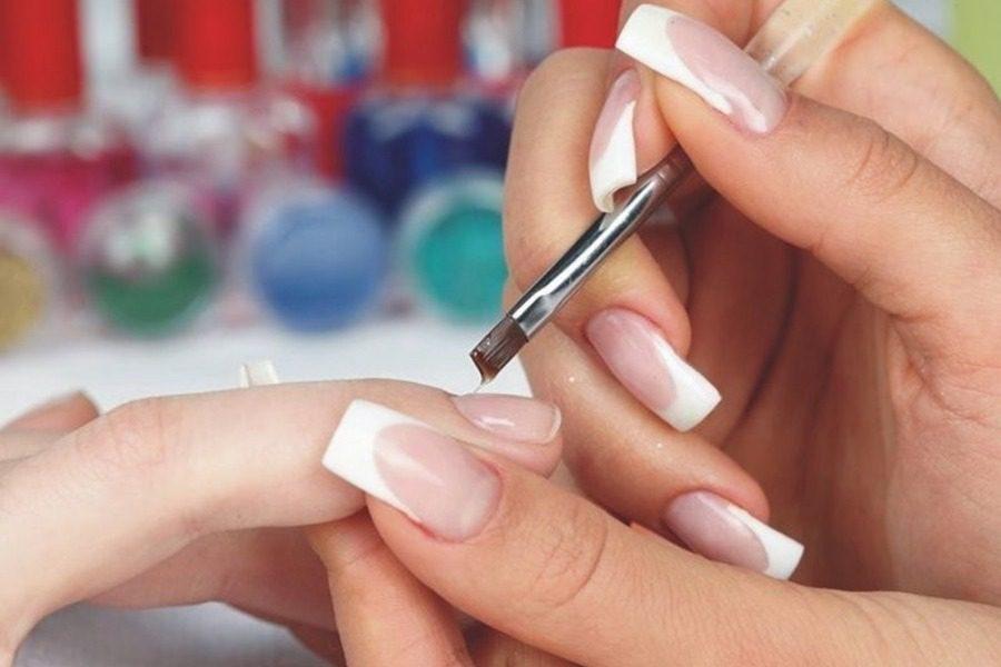 Μάθε να βγάζεις το gel από τα νύχια σου μόνη με αυτό το super diy κόλπο