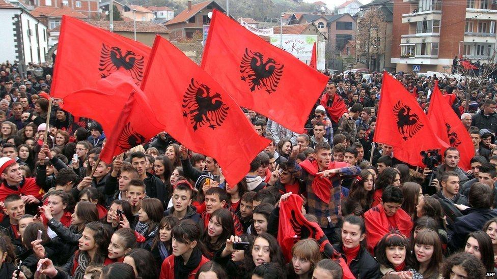 Προάγγελος αλβανικής κυριαρχίας: «Συνομοσπονδία τεσσάρων κρατών», με τα Σκόπια στο «παιχνίδι» – Έπεται διαμελισμός Ελλάδας-Σερβίας