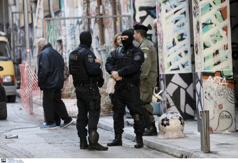«Αστυνομία, ακίνητοι!» φώναξαν στους άνδρες του Λιμενικού οι ένοπλοι στα Εξάρχεια!