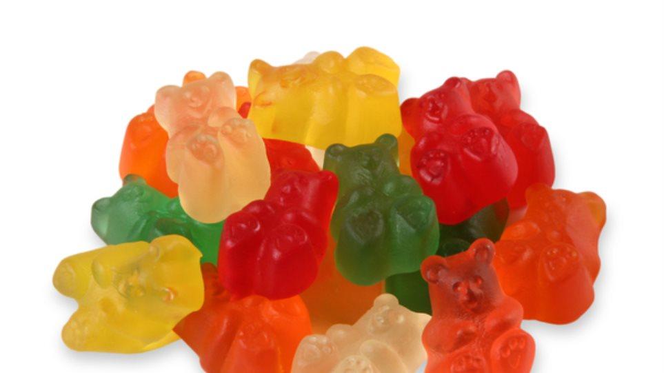 Γλυκά ζελεδάκια: Απίστευτο από τι παρασκευάζονται (vid)
