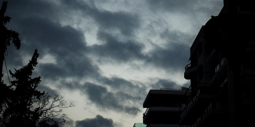 Πρόγνωση καιρού: Νεφώσεις σε όλη την χώρα και καταιγίδες σε Δυτική και Β. Ελλάδα την Τρίτη του Πάσχα