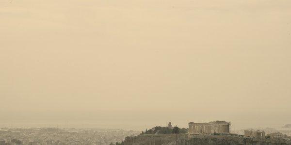 Καλλιάνος για καιρό Πάσχα: Η σκόνη θα κρύψει τον ήλιο – Πολύ υψηλές θερμοκρασίες