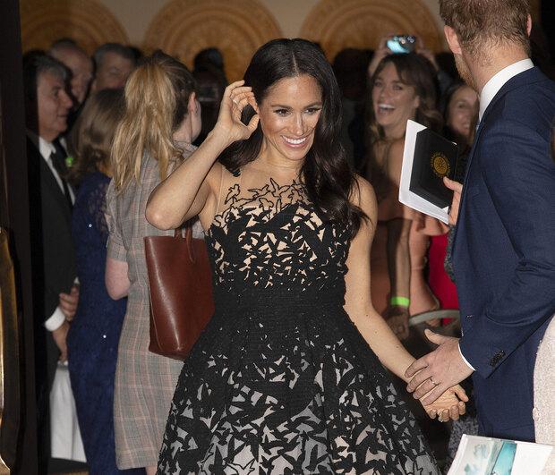 Η Kim Kardashian μάλλον ξέχασε να φορέσει την φούστα της
