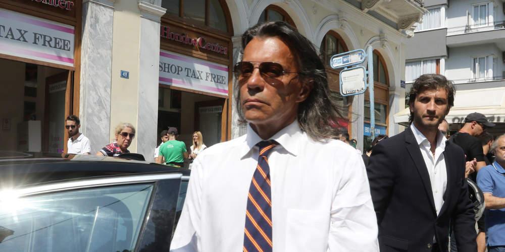 Ο Ψινάκης μετά τον «θρίαμβο» στον Μαραθώνα κατεβαίνει στις Ευρωεκλογές [εικόνες]