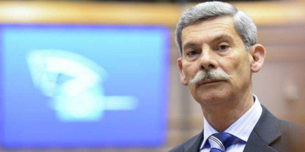 Βόμβες από πρώην ευρωβουλευτή της ΧΑ: Ο Μιχαλολιάκος μας πήρε 1 εκατ. ευρώ (vids)