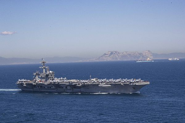 ΕΚΤΑΚΤΟ: Στη Σούδα το USS Abraham Lincoln – Οι ΗΠΑ έτοιμες να επέμβουν στη Λιβύη – Καταιγιστικές εξελίξεις και στην Α.Μεσόγειο