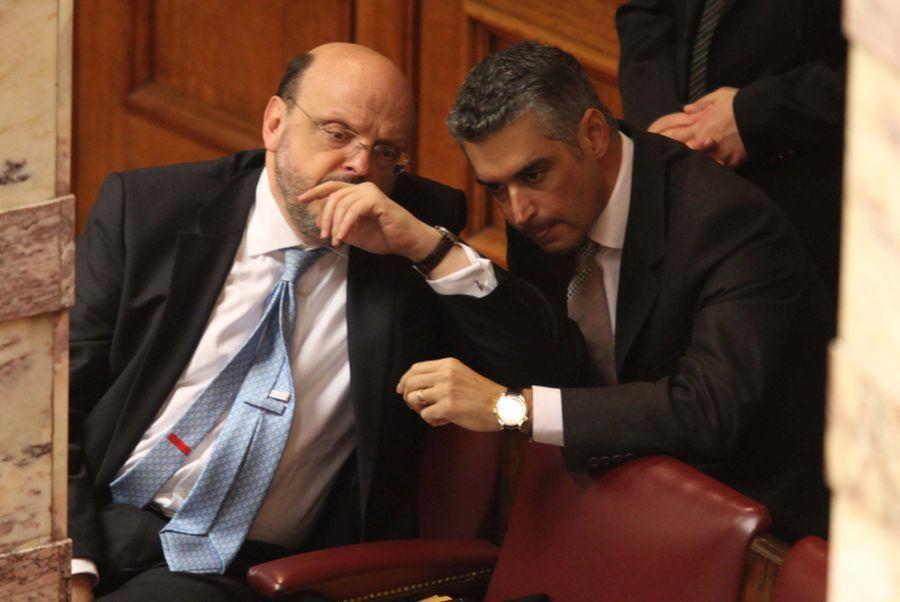 Για καφέ στο Κολωνάκι οι δύο πρώην υπουργοί, Αντώναρος και Σπηλιωτόπουλος