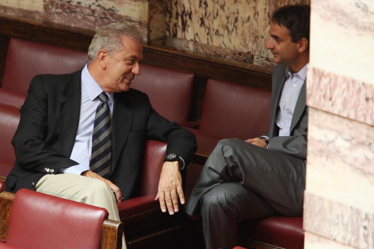 Σιβυλλική δήλωση Αβραμόπουλου: Επιστρέφω Ελλάδα και τίθεμαι στη διάθεση των γεγονότων