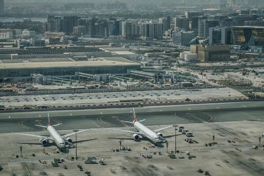 Νέα αεροπορική τραγωδία στο Ντουμπάι – Ένα αεροπλάνο παρέσυρε στον θάνατο τέσσερις ανθρώπους (video)