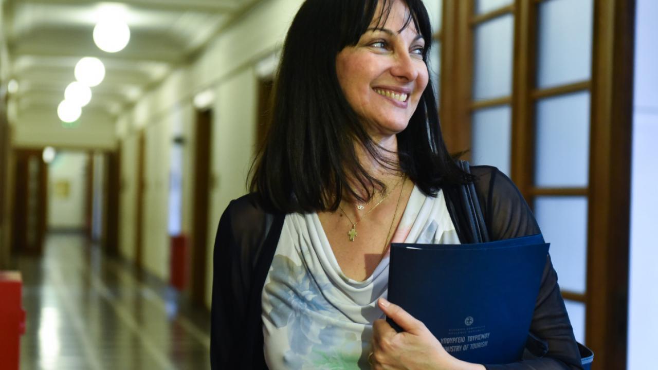 ΕΚΤΑΚΤΟ: Παραιτείται η Έλενα Κουντουρά από υπουργός Τουρισμού