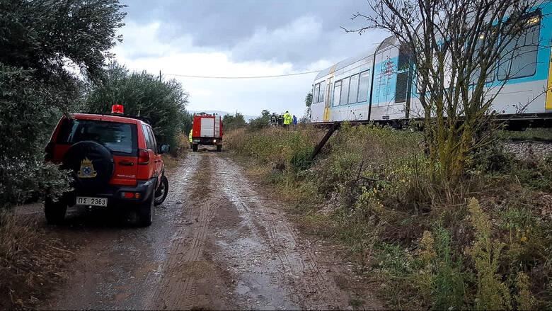 Ημαθία: Τρένο παρέσυρε Ι.Χ. αυτοκίνητο – Δύο νεκροί