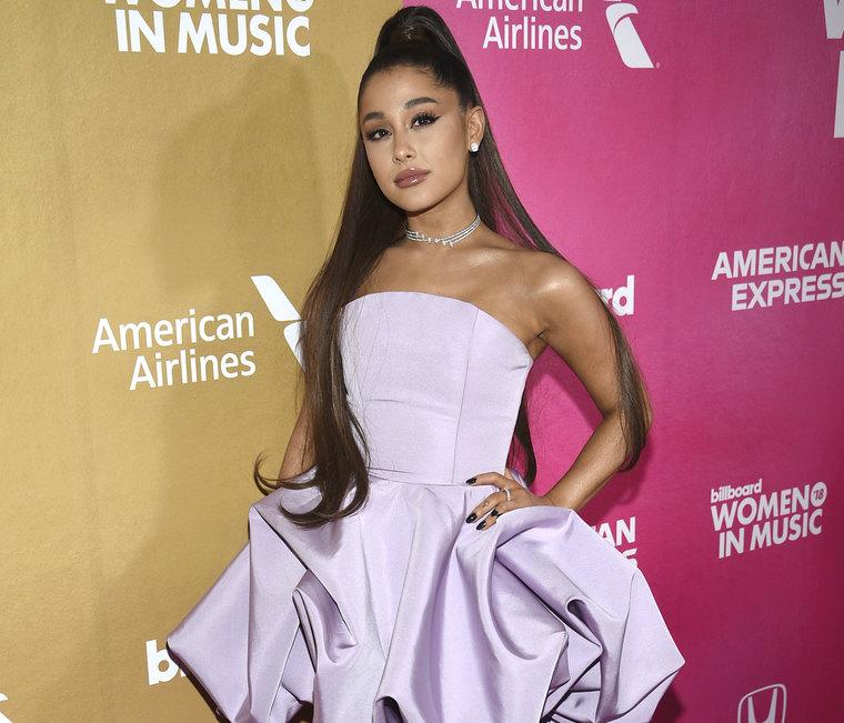 Το κέρινο ομοίωμα της Ariana Grande την παραμόρφωσε σε βαθμό που δε θα το πιστεύεις