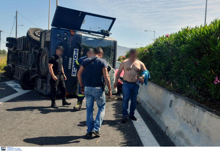 Κόρινθος: Στην κλούβα του τροχαίου ο ψιλικατζής που κατηγορείται για αποπλάνηση της 14χρονης στο Μοσχάτο