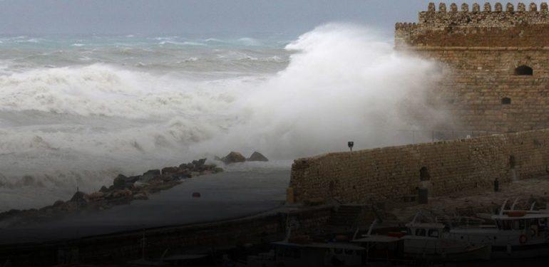 Ο καιρός στην Κρήτη: Έρχονται ενισχυμένοι Νοτιάδες