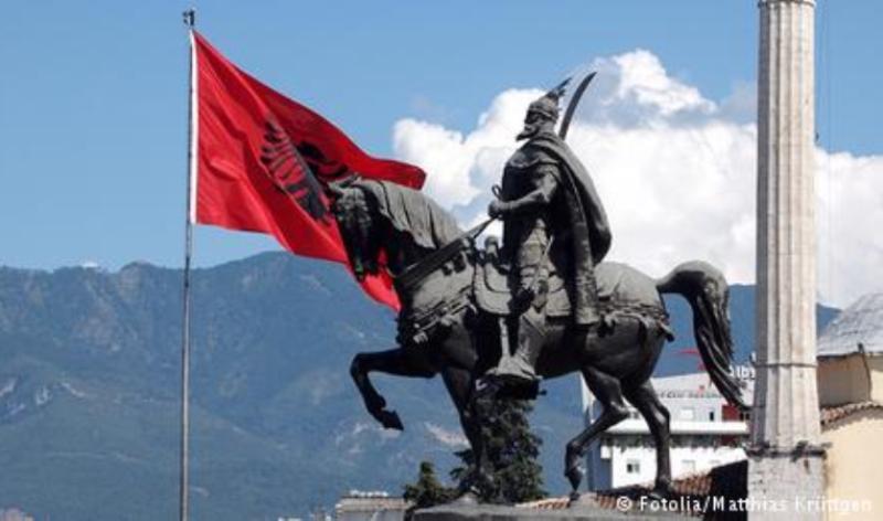 Βόρειος Ήπειρος: Συμπλοκές Ελλήνων με τις αλβανικές αρχές για το ξήλωμα των πινακίδων (φωτο)