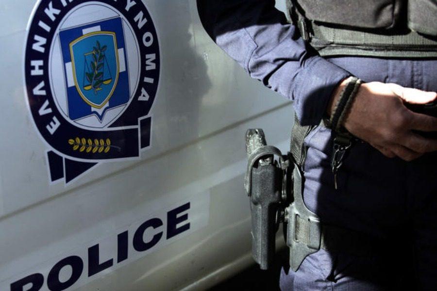 Χαϊδάρι: Επίθεση σε τράπεζα με βαριοπούλες και γκαζάκια