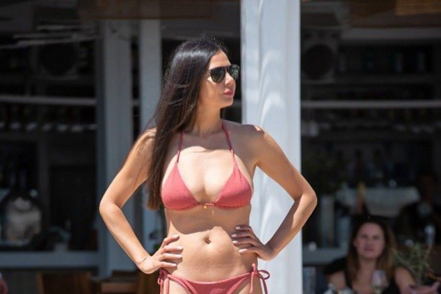 Η Εύη Βατίδου στα 43 της έχει το καλύτερο σώμα στην ελληνική showbiz