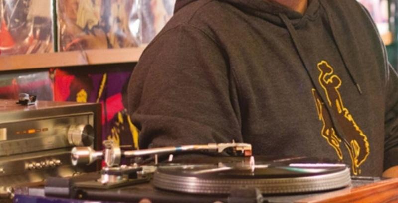 Έλληνας μουσικός πέθανε χθες βράδυ στη σκηνή σε βραδιά αφιέρωμα για τον Νικόλα Άσιμο
