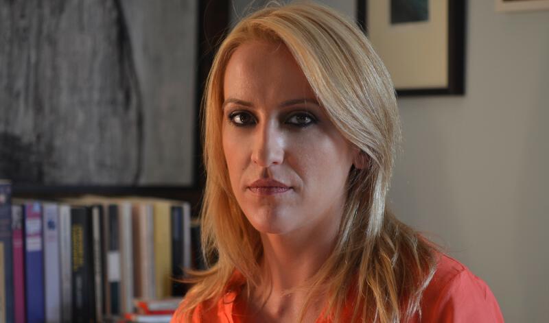 Φυγαδεύτηκε η Ρένα Δούρου – Aγριες αποδοκιμασίες & οργή του κόσμου για την απερχόμενη Περιφερειάρχη