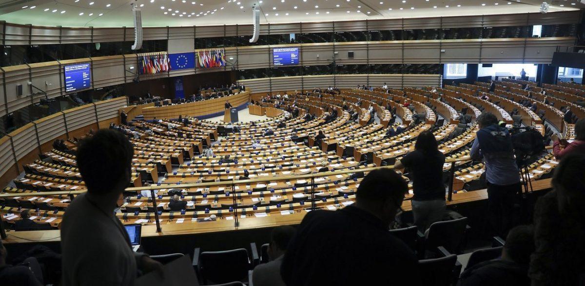 Επάγγελμα ευρωβουλευτής: Οι παχυλές αμοιβές και το «χρυσό αλεξίπτωτο»