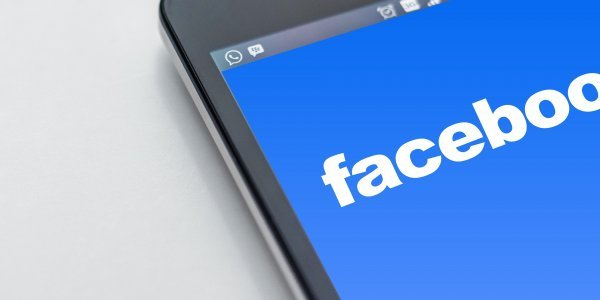 Συνιδρυτής του FB σοκάρει: Είναι καιρός να διαλύσουμε το Facebook