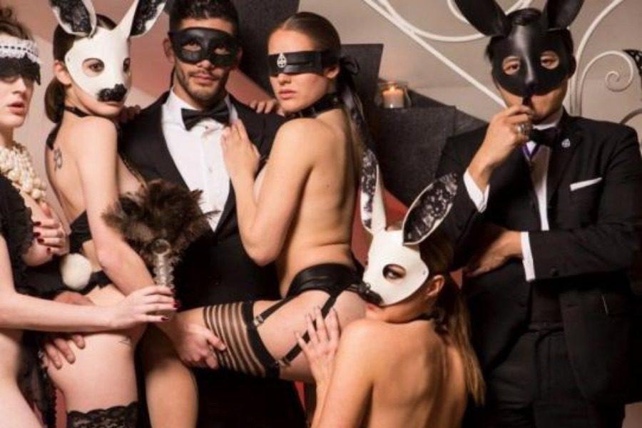Τα πάρτι ομαδικού σeξ, η κόκα και οι επώνυμοι πελάτες