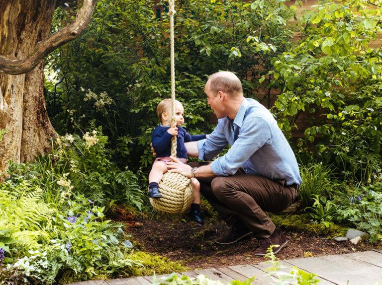 Πρίγκιπας Γουίλιαμ – Κέιτ Μίντλετον: Ανέμελες στιγμές με τα παιδιά τους – video