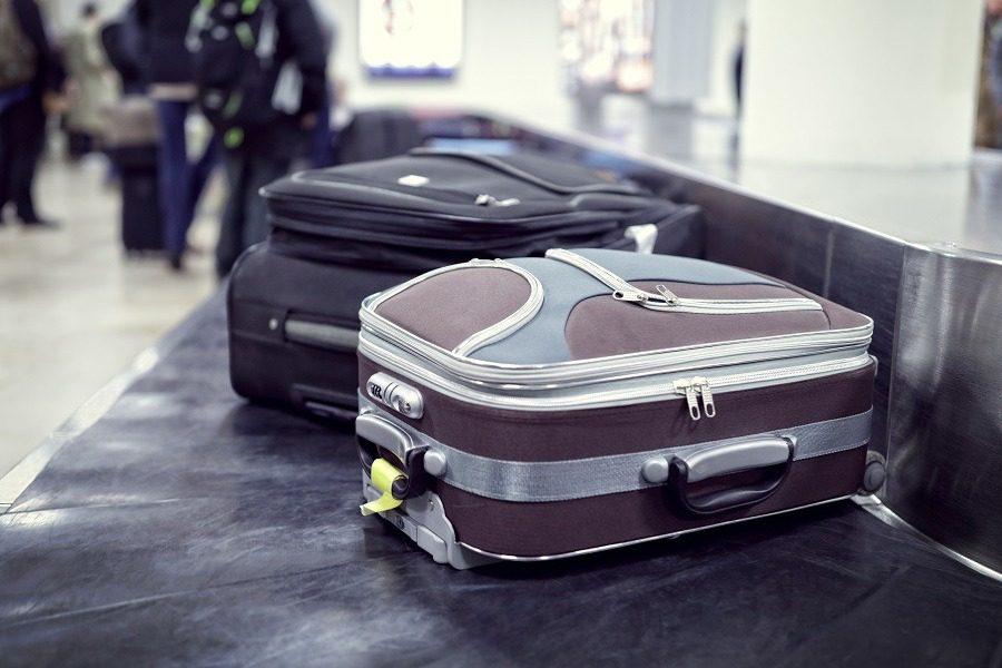 To video που αποκαλύπτει γιατί αργεί να βγει η βαλίτσα μας στο αεροδρόμιο