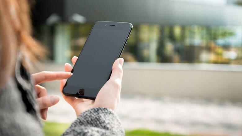 Αλλαγές στις χρεώσεις κινητών: Πόσο θα κοστίζουν πλέον κλήσεις και sms