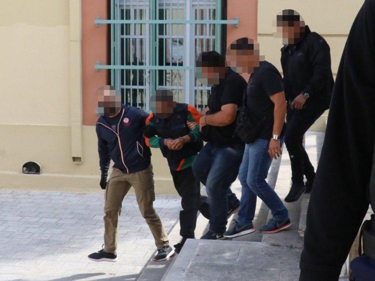 Έγκλημα στα Δειλινά: Νεκρός ο δράστης που σκότωσε με δεκάδες μαχαιριές τη νύφη του