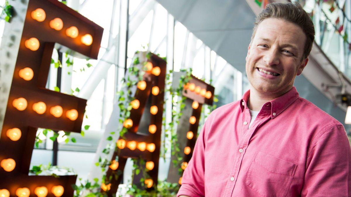 Jamie Oliver: Καταρρέουν τα εστιατόριά του! Πάνω από 1.000 θα μείνουν άνεργοι!