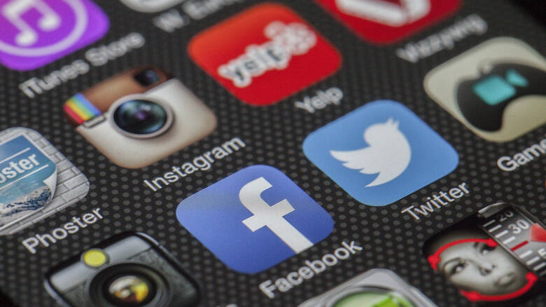 Οι κάλπες βγάζουν αυτοδυναμία… Facebook