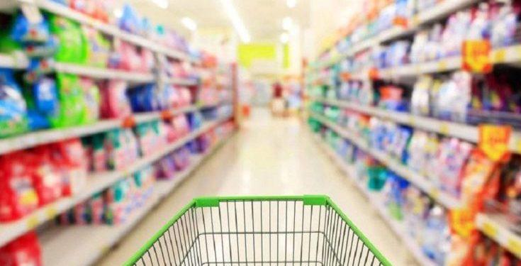Νέες τιμές στα ράφια – Σε ποια προϊόντα «πέφτει» ο ΦΠΑ
