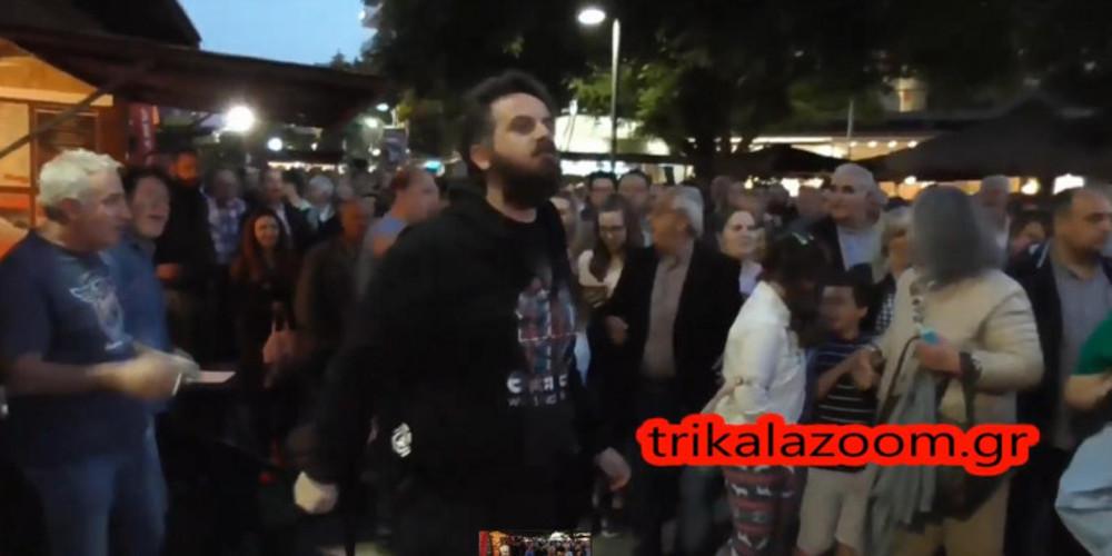 Άγριες αποδοκιμασίες κατά Τσίπρα στα Τρίκαλα: «Μπράβο Αλέξη, άντε με τους Πασόκους τώρα» [βίντεο]