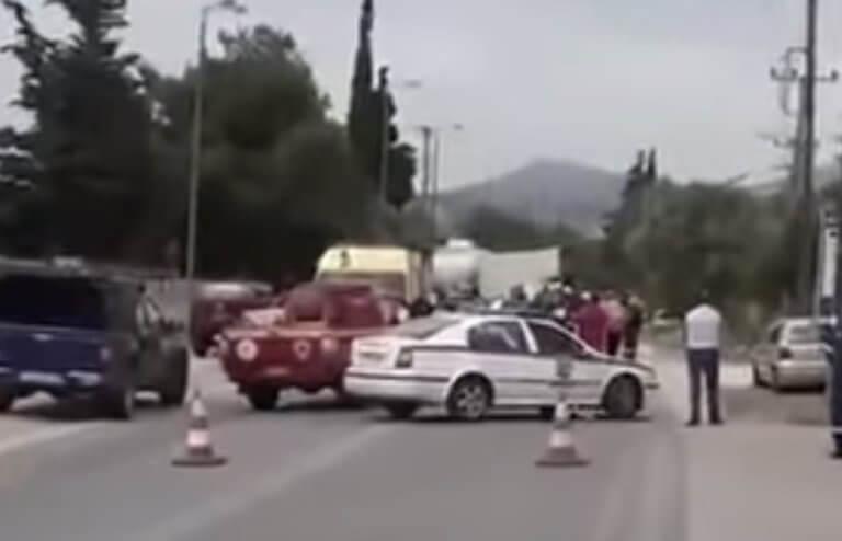 Τροχαίο με βυτιοφόρο στη λεωφόρο Κορωπίου – Μαρκοπούλου! Επιχείρηση απεγκλωβισμού των οδηγών