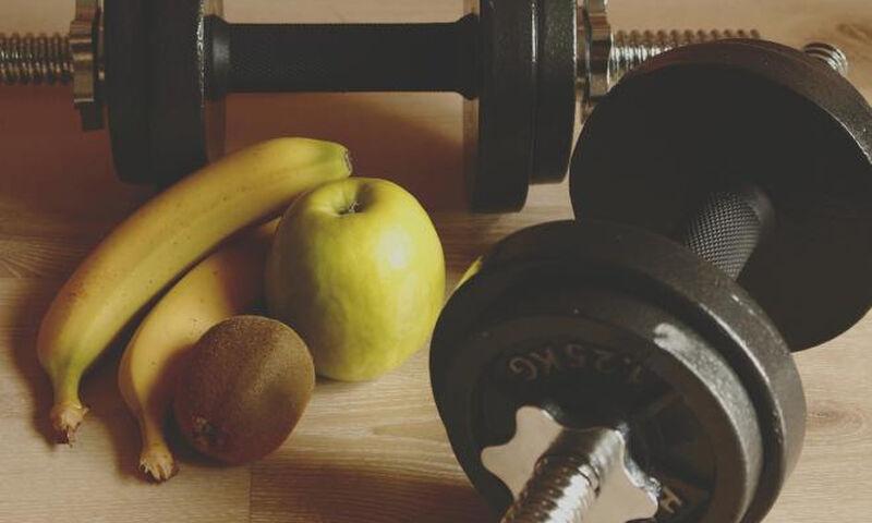 Kάψιμο λίπους, αύξηση μυϊκής μάζας, άσκηση: Τι πρέπει να περιλαμβάνει η διατροφή