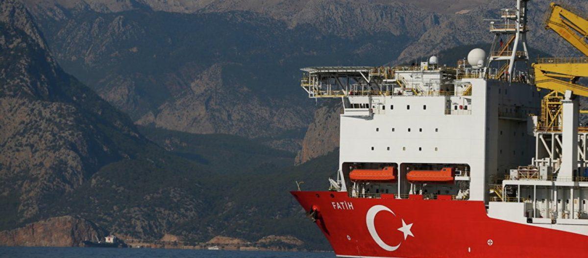«Έφτασε» στον κυπριακό βυθό το τουρκικό γεωτρύπανο – Η Βρετανία σχηματίζει φιλο-τουρκικό μέτωπο εντός της ΕΕ
