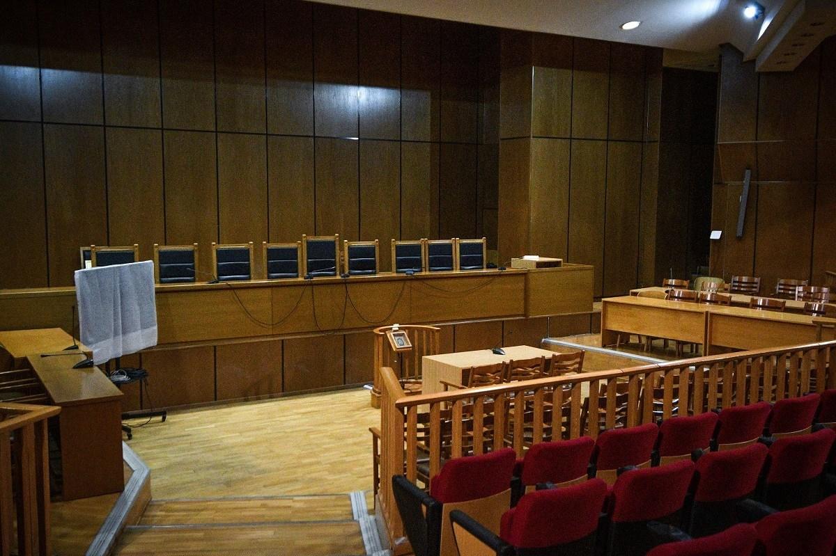 Δίκη ΧΑ: Ξεκινούν την Πέμπτη οι απολογίες – Πρώτη υπόθεση η δολοφονία του Παύλου Φύσσα