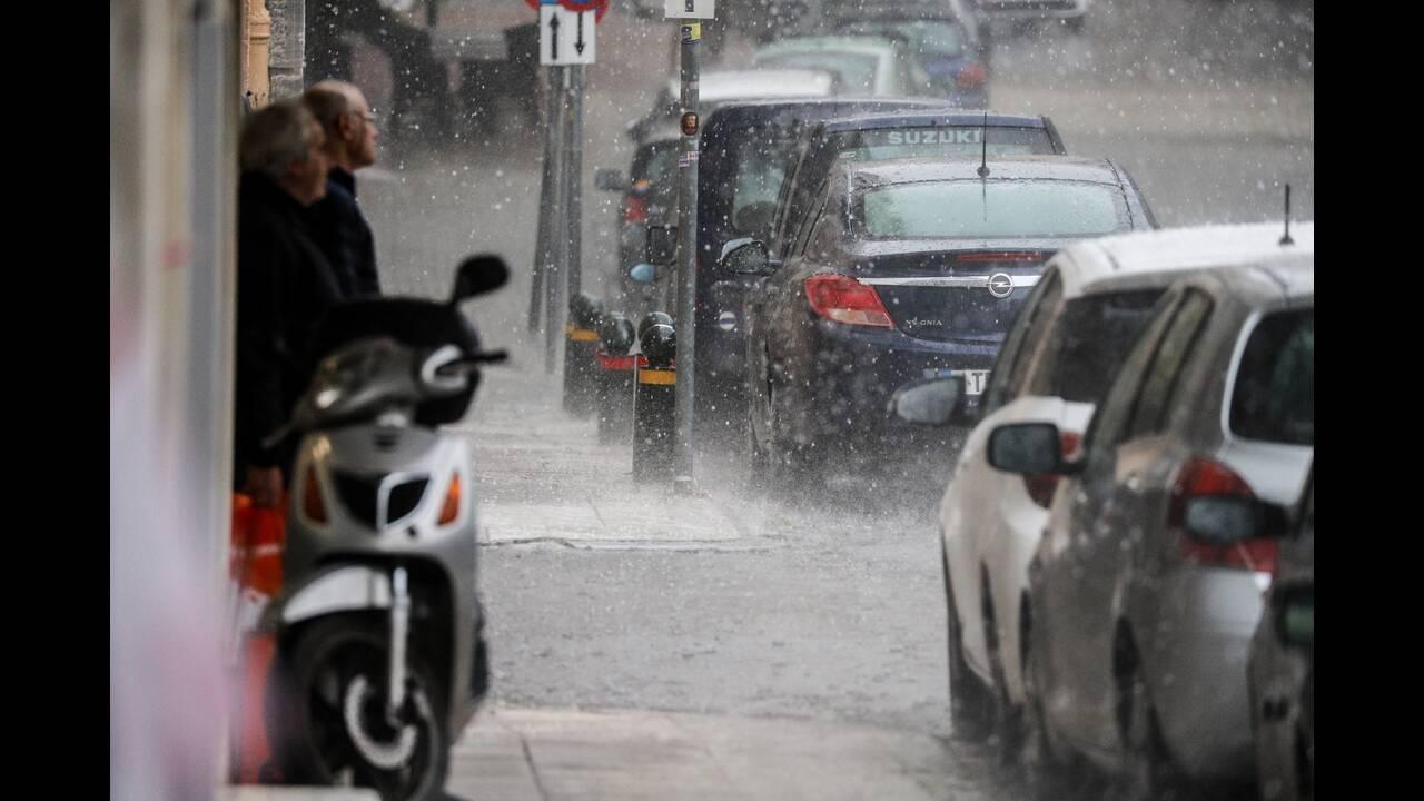 Έκτακτο δελτίο επιδείνωσης καιρού της ΕΜΥ: Έρχονται βροχές, καταιγίδες και χαλάζι