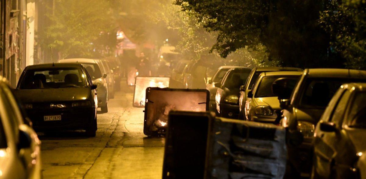 Πολυτεχνείο: Επιθέσεις με μολότοφ κατά των ΜΑΤ