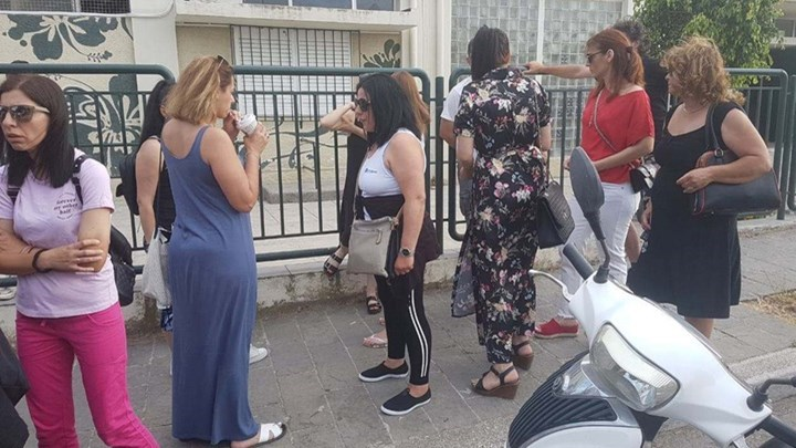 «Πόλεμος» μεταξύ γονέων στο σχολείο της Ρόδου, όπου ο δάσκαλος κλείδωσε μαθητή στην τάξη - Τι δηλώνει ο δικηγόρος της οικογένειας