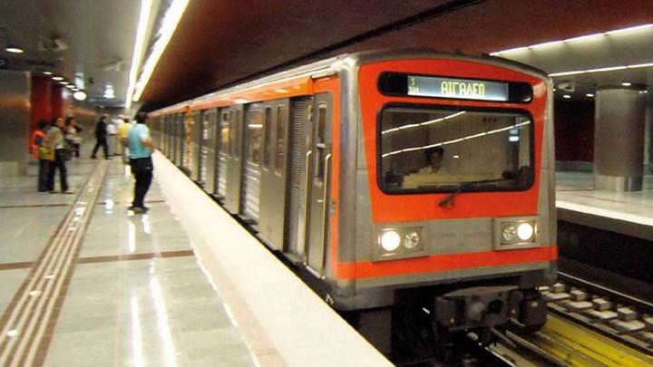 Σας ενδιαφέρει: Ποιες ώρες δεν θα κυκλοφορούν μετρό και τραμ την Παρασκευή