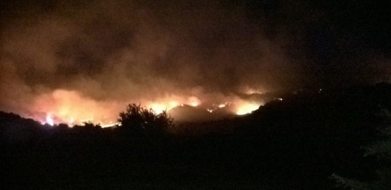 Φωτιά ξέσπασε στα όρια των νομών Ηρακλείου-Ρεθύμνου