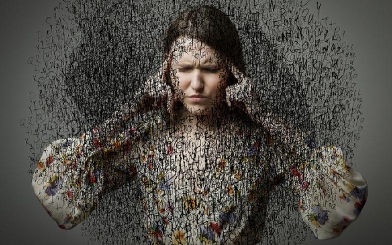 Δυνατός πονοκέφαλος: 3 περιπτώσεις που επιβάλλεται να πάτε στο νοσοκομείο