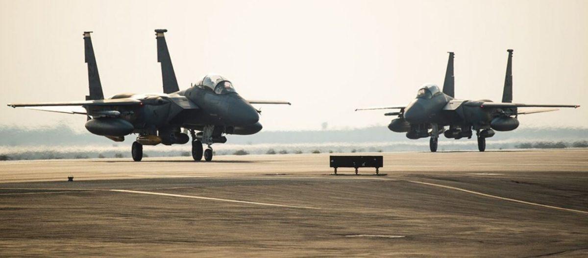 Σε «τεντωμένο σχοινί» Ιράν-ΗΠΑ στον Κόλπο: Επίθεση σε αμερικανική βάση στο Ιράκ – Προσγειώθηκε στα ΗΑΕ μοίρα F-15E!
