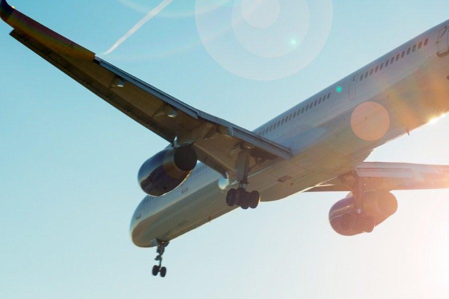 Για ποιο λόγο απαγορεύεται να κουβαλάς υγρά στο αεροπλάνο;