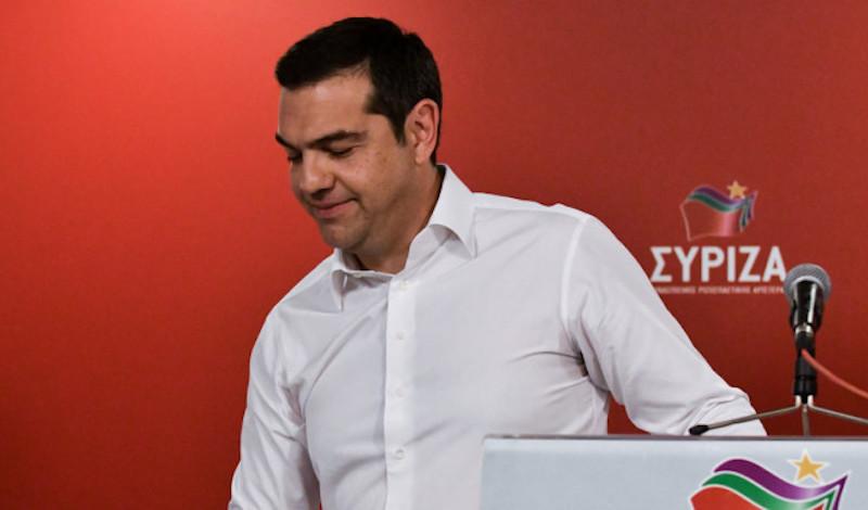 Financial Times: «Η μεσαία τάξη στην Ελλάδα κουράστηκε πια με τον Τσίπρα»