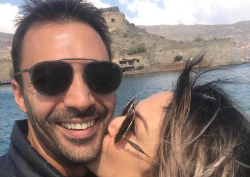 Ενοχλημένη η Μελίνα Ασλανίδου: Διαψεύδει τις φήμες ότι παντρεύεται με τον Βασίλη Μουντάκη