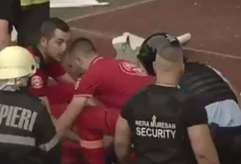 Αστυνομικός έπεσε αναίσθητος από αντικείμενο που πέταξε οπαδός – video